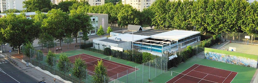 Terrains de tennis Fête le mur