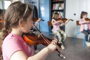 Très jeune violoniste