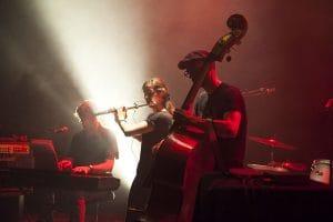 Contrebasse, flûte et clavier