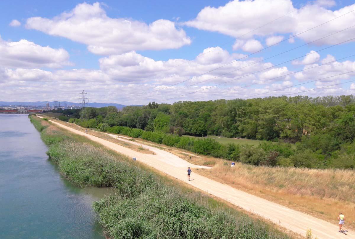 Footing le long des berges du canal et de la Rize