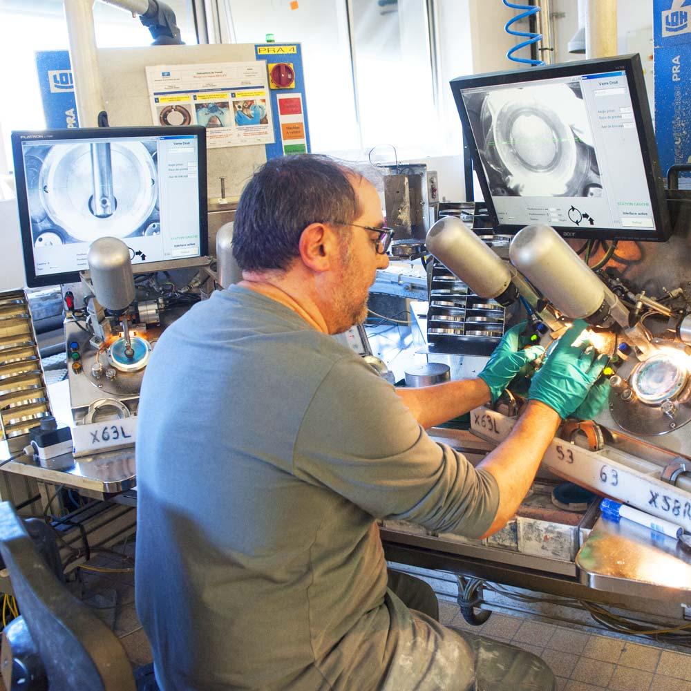 Fabrication de verres optiques