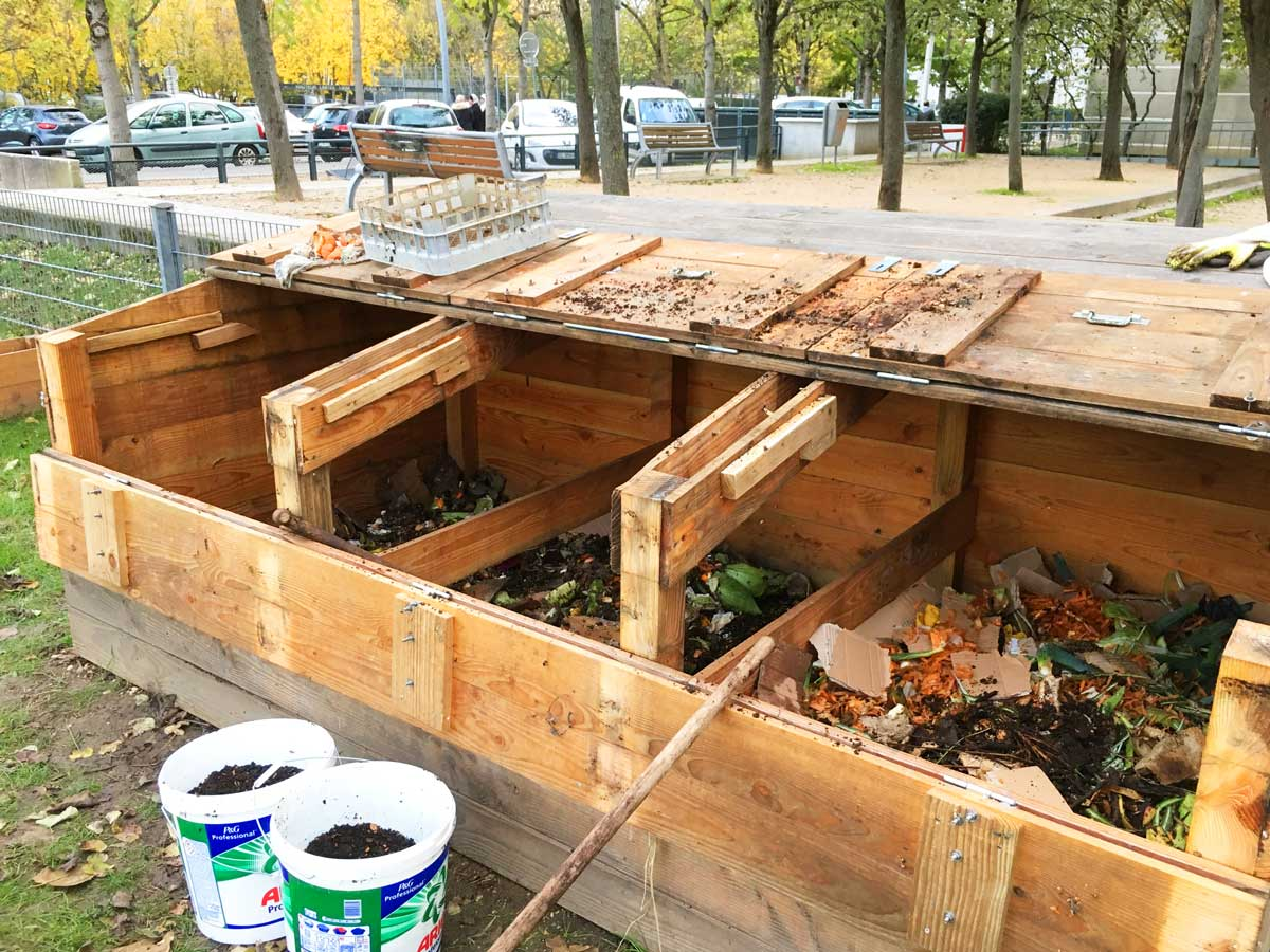 Récolte de terreau lombricomposteur - Semaine européenne de réduction des déchets - novembre 2019