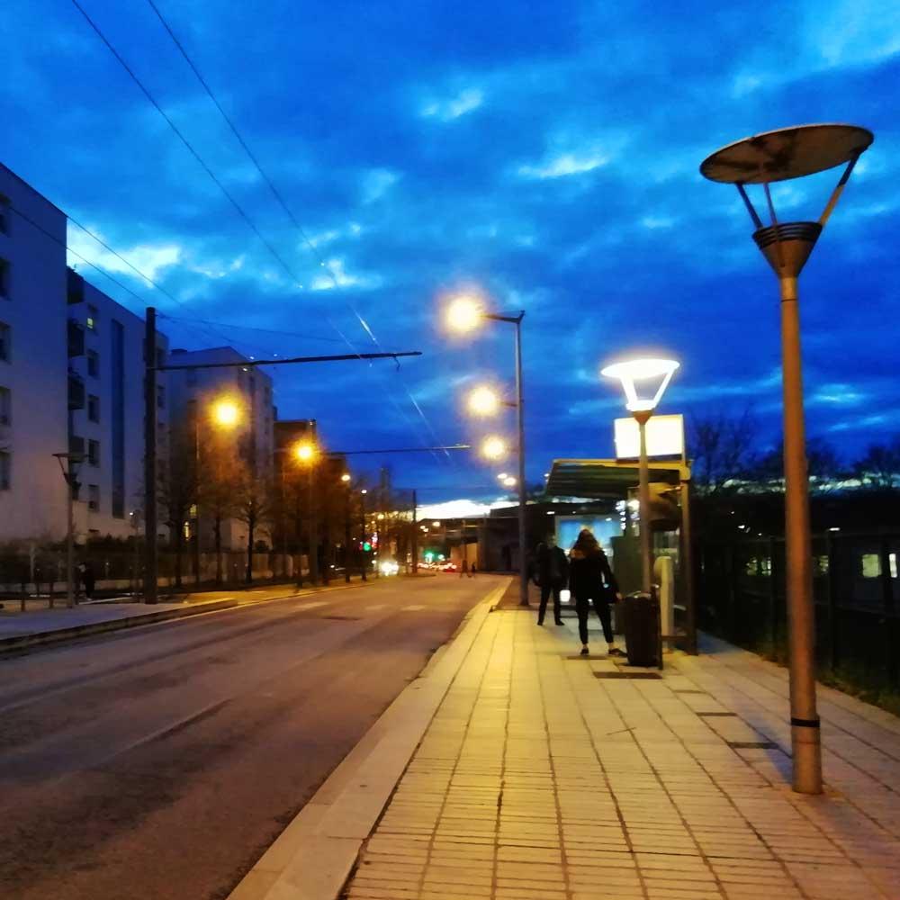 Éclairage nocturne rue Maximilien Robespierre à Vaulx-en-Velin - décembre 2020