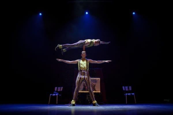 Spectacle cirque Brotipo