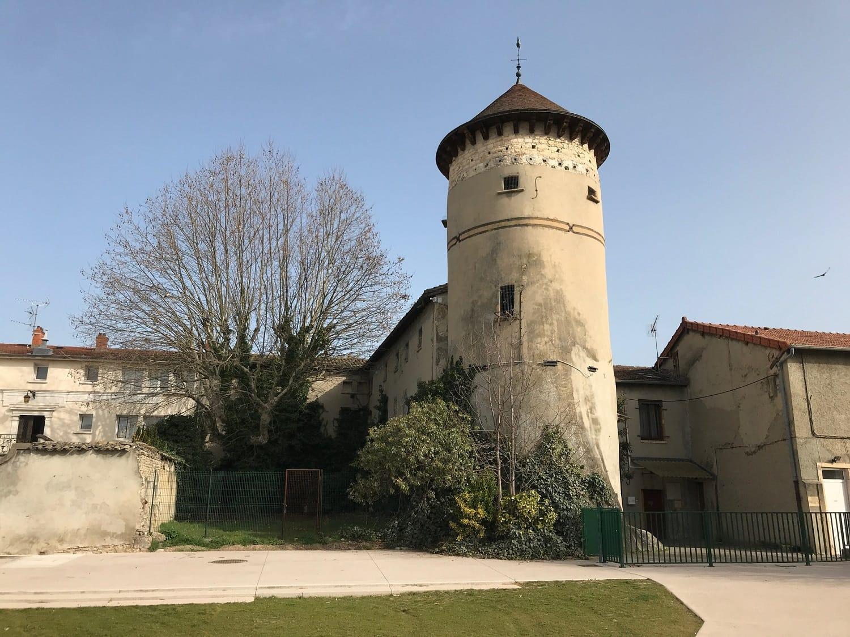 chateau de vaulx en velin