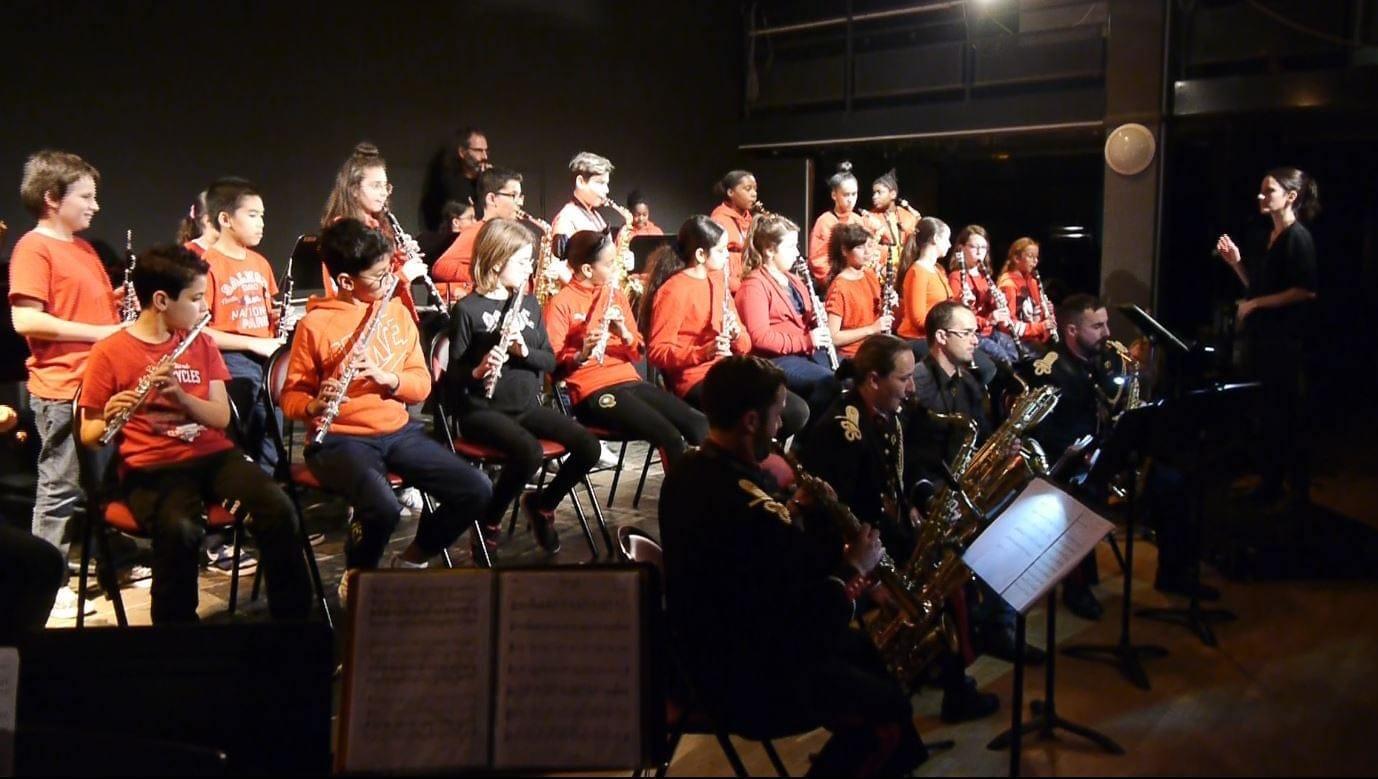 Mardi 10 décembre 2019 - Concert des élèves des Classes à Horaires Aménagés Musique (CHAM) de l'École des Arts avec l'Orchestre d'harmonie de l'Artillerie à la salle Foucaud