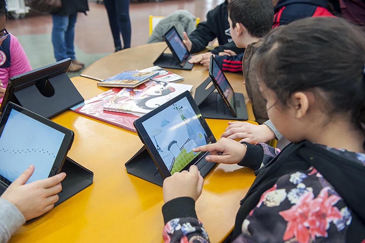 Bibliothèque Georges Perec - Tablettes tactiles - 27 janvier 2016 - Photo Thierry Chassepoux
